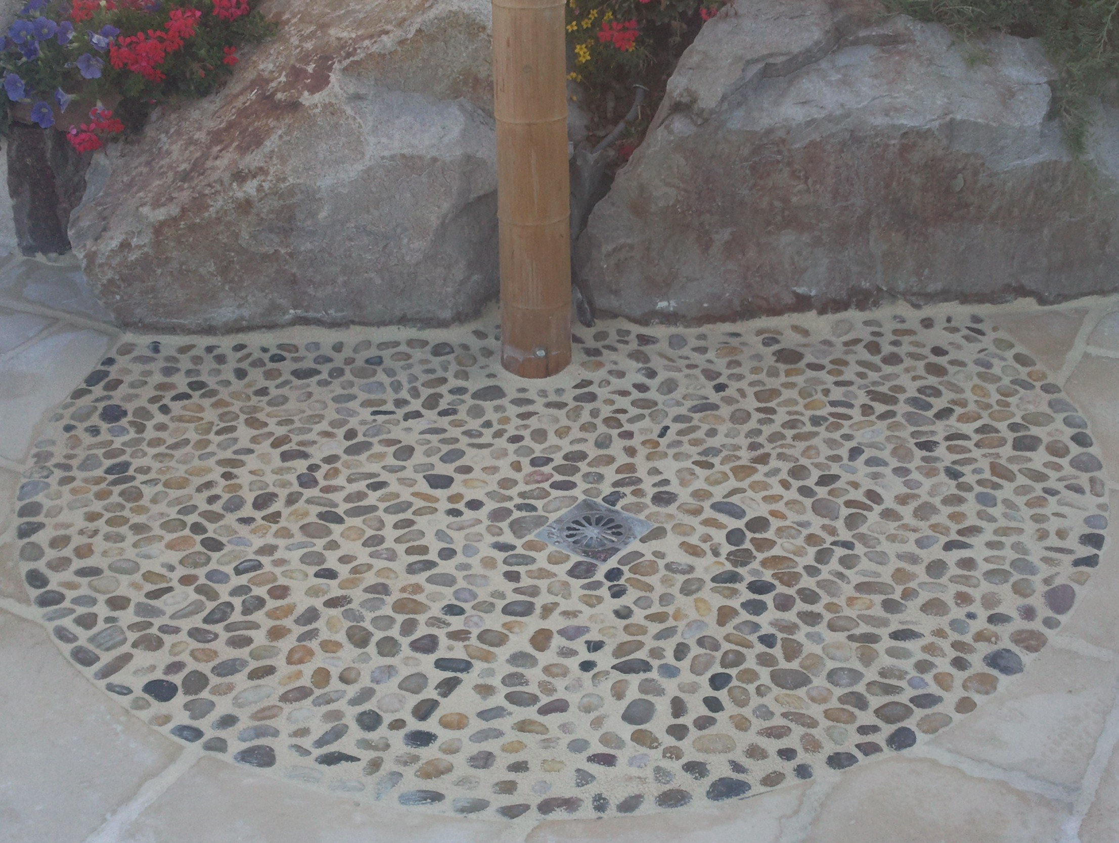 Carrelage mosa que dallage douche italienne - Pose mosaique douche italienne ...